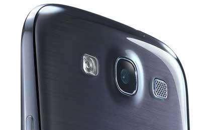 www.writeage.comimagessamsunggalaxysiiivshtconex07.jpg بررسی تخصصی چهار هستهای: Samsung Galaxy S III vs HTC One X