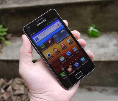 www.writeage.comimagessamsunggalaxysiimobilereview05.jpg Samsung I9100 Galaxy S II کهکشانی بی نظیر